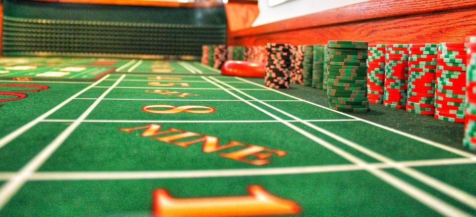 Les risques encourus dans la pratique des jeux clandestins/d'argent : Arrestation et vol